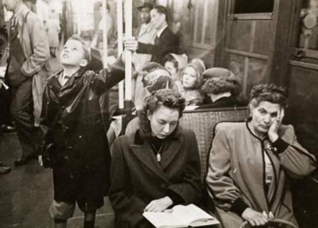 Фотографии нью-йоркского метро 1940‑х, сделанные молодым Стэнли Кубриком