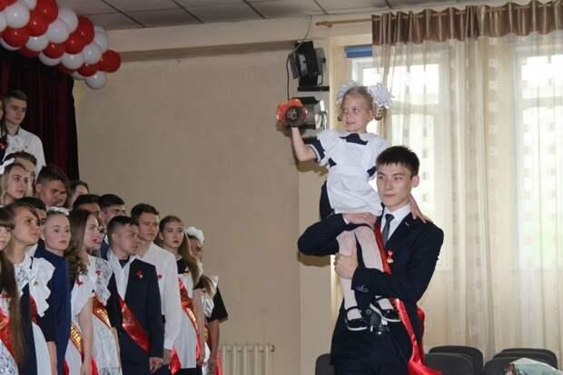 Отменить последние звонки рекомендуют школам в Приморье из-за коронавируса