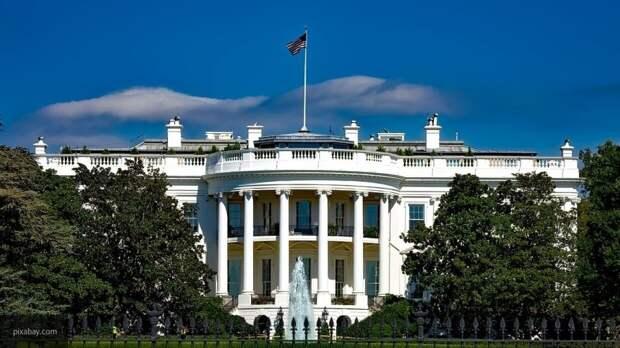 Политназначенцев Белого дома могут отправить в отставку перед выборами