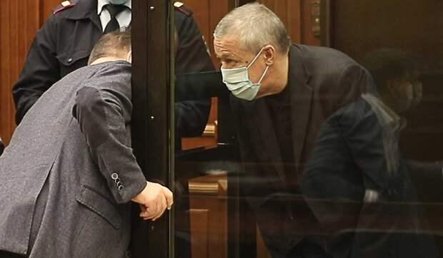 Осужденный Ефремов взялся за написание сценария: Хотел бы создать и развивать театр
