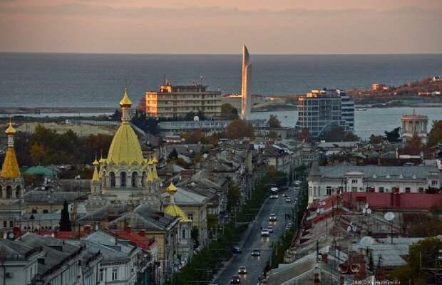 Владимир Путин утвердил перечень поручений по итогам встречи с общественниками Крыма и Севастополя