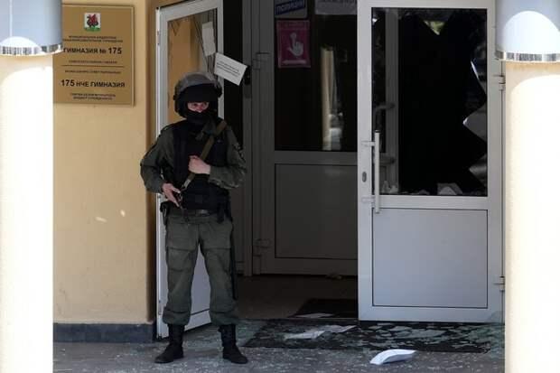 «Мам, до свидания, простите»: дети в Казани звонили домой во время стрельбы