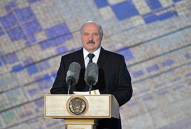 Лукашенко назвал выборы в США «позорищем и издевательством»