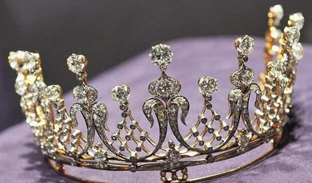 Та самая бриллиантовая корона, изготовленная 1880 году