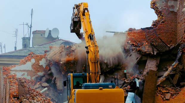 Экскаватором по исторической памяти. Бауманка разрушила храм