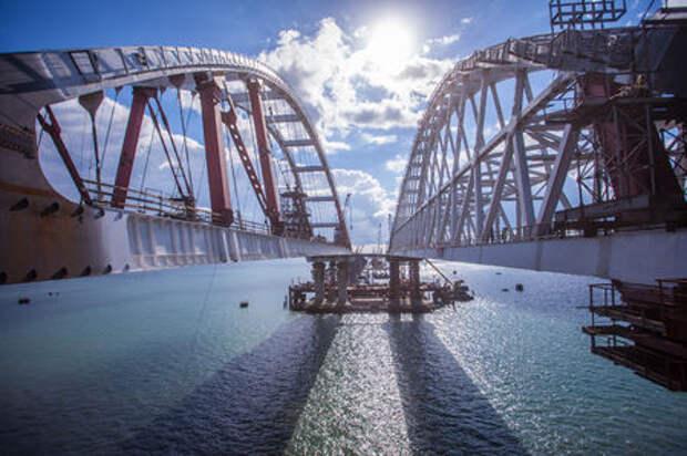Мост в Крым: все сваи вбиты, запуск уже близко