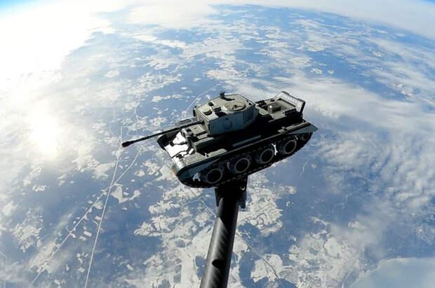 Танки в космосе