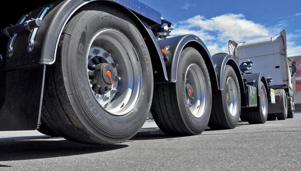 На краснодарских дорогах ограничат движение грузовиков