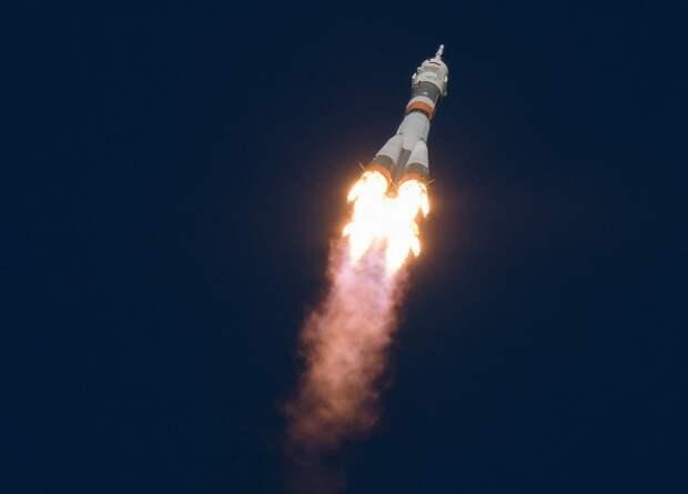 Экипаж аварийного «Союз МС-10» отправился к МКС на новом корабле