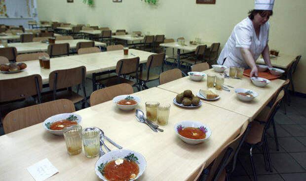 Перед летом в РФ в разы вырос спрос на горничных, пекарей и поваров