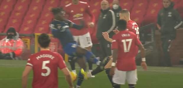 «Ман Юнайтед» уничтожил «Саутгемптон» 9:0. Но в Англии все снова обсуждают дикие решения VAR