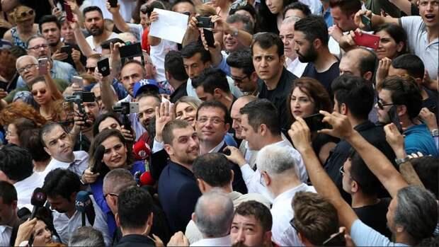 Стамбул перешел на сторону оппозиции — таков результат выбора мэра города