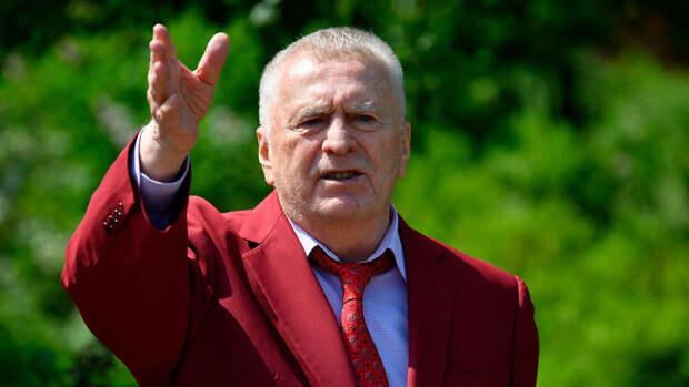 Жириновский пообещал россиянам трехдневную рабочую неделю