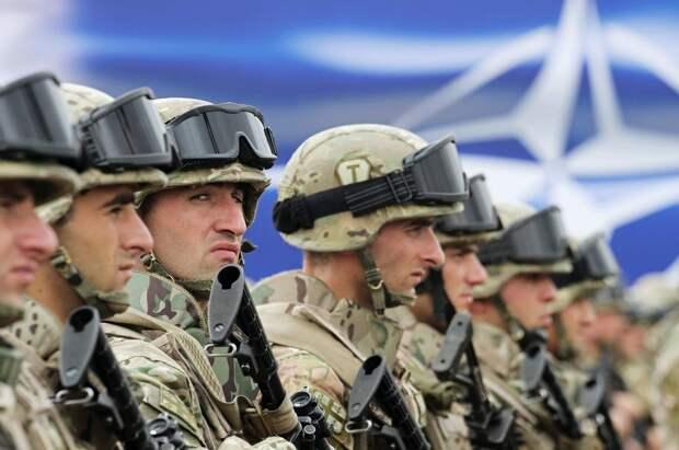 В НАТО занялись логистикой переброски войск к границам России