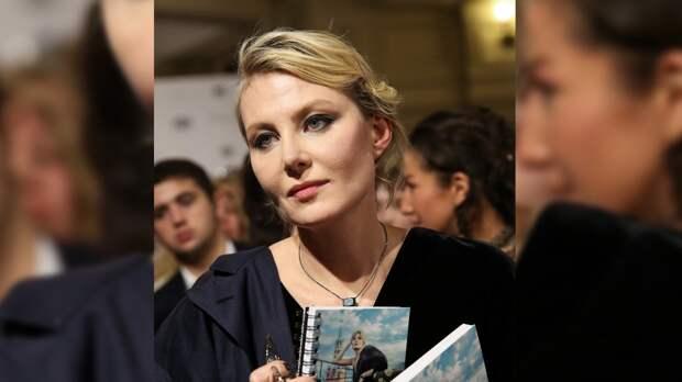 Рената Литвинова удивила гостей вечеринки Vogue Senses стильным черным костюмом