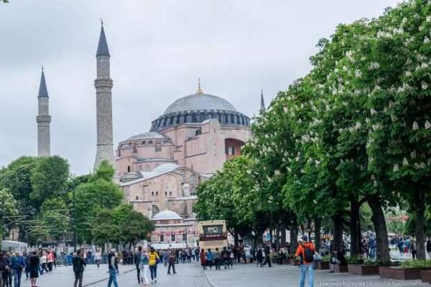 В чем проблема превращения Святой Софии в мечеть?