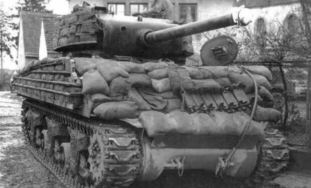 Могли ли мешки с песком защитить танк от вражеских снарядов. Смотрим на примере Т-34