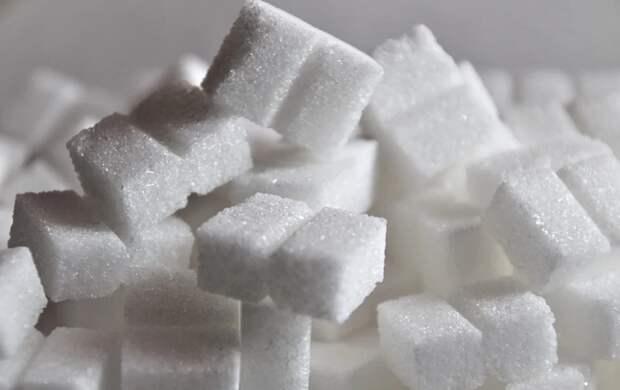 Эндокринолог рассказала, развивается ли от сладостей диабет