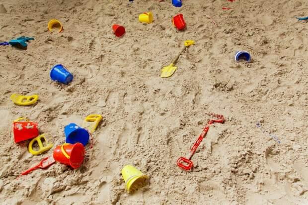 Игры в песочнице интересны всем детям дошкольного возраста — советы мамашкам, как занять детей