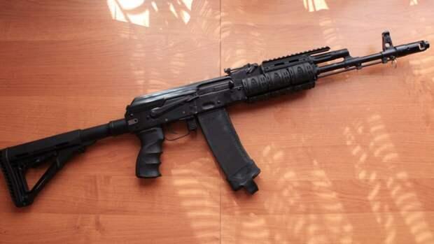 Пассажир иномарки устроил стрельбу в Волховском районе