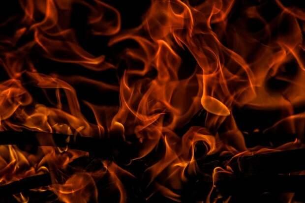 Восемь человек погибли при пожаре в бытовках в Подмосковье