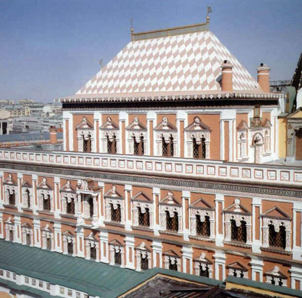 Теремной дворец в Московском Кремле, сверху виден терем