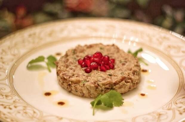 Красная фасоль с орехами