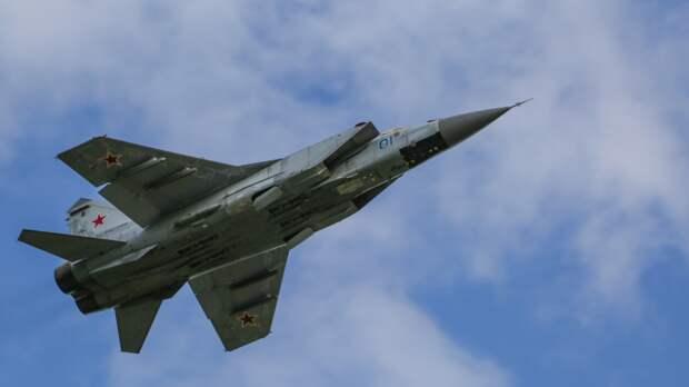 Северный флот отрабатывает применение авиации в Арктике