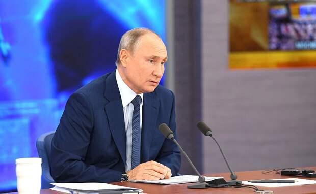 Шнуров получил ответы от Путина на «провокационные вопросы»