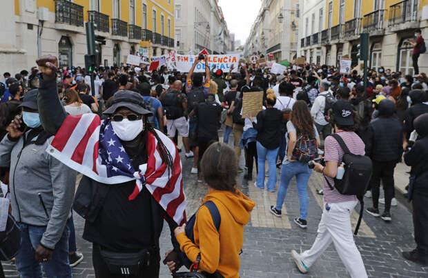 От антиглобалистов к антипрививочникам: эволюция гражданских протестов за двадцать лет