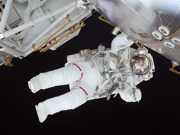 «Туристам и артистам там не место»: космонавт Корниенко раскритиковал съемки ...
