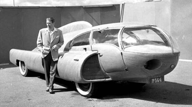 Изобретатель Берггрен у своего фантастического сооружения на шасси довоенного такси Dodge. 1952 год авто, автомобили, атодизайн, дизайн, интересный автомобили, олдтаймер, ретро авто, фургон