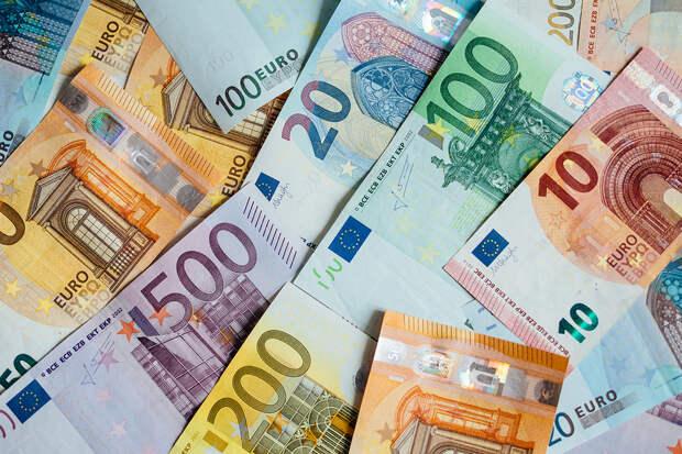 Евросоюз предложил Белоруссии деньги за смену власти