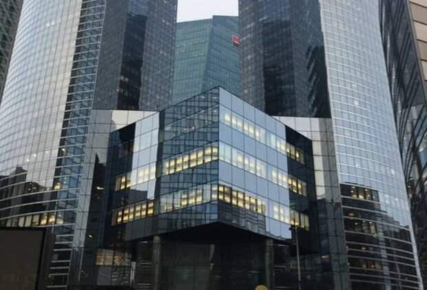 """Росбанк: """"Зеленые"""" инвестиции – новый ключ к рынку капитала и устойчивым вложениям"""