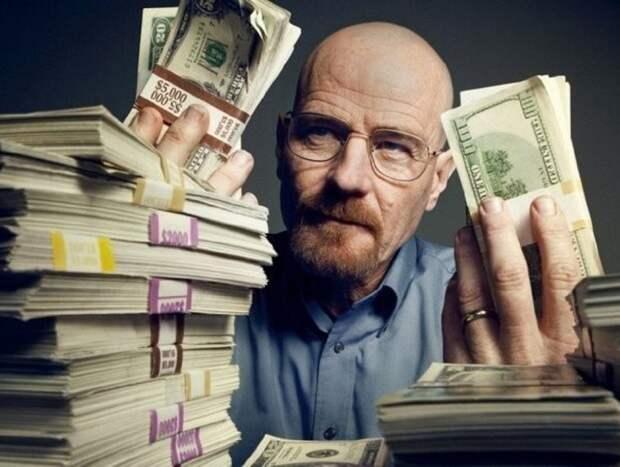 Названо число банковских долларовых миллионеров в России