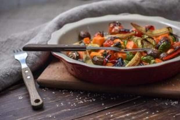 Салат из фасоли и стейк из дайкона. Чем завершить Великий пост