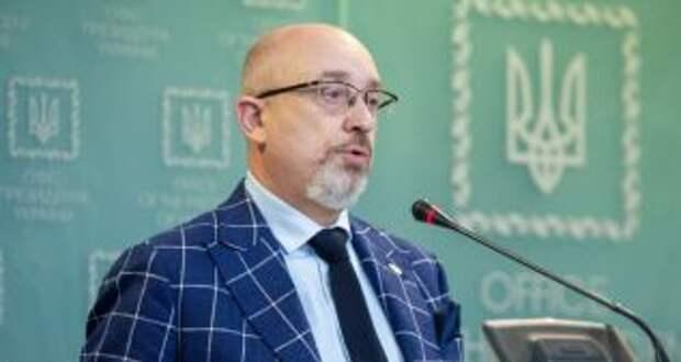 На Донбассе более 400 тысяч человек с паспортами РФ, - Резников