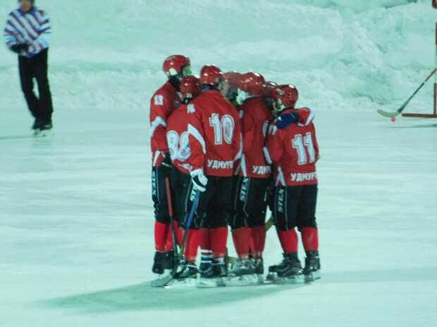 Хоккеисты «Знамя-Удмуртия» в финальном туре Высшей лиги встретятся с командой из Хакасии