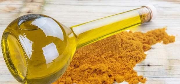 Масло из куркумы придает блюдам пряно-древесный вкус. / Фото: aromatfleur.ru