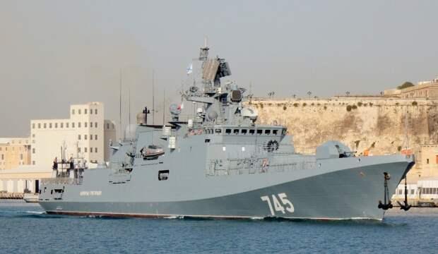 Корабли ВМФ РФ довели Помпео до истерики