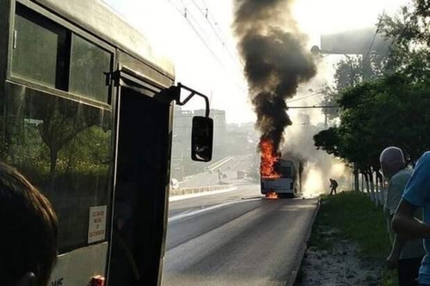 Эксперт рассказал, почему вРостове сгорают автобусы