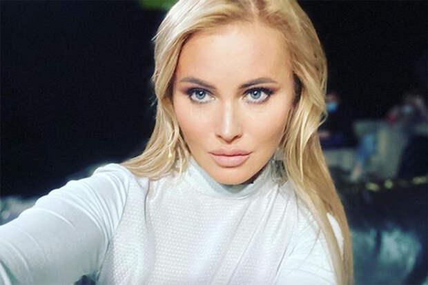 Дочь Даны Борисовой изрезала себя в школьном туалете
