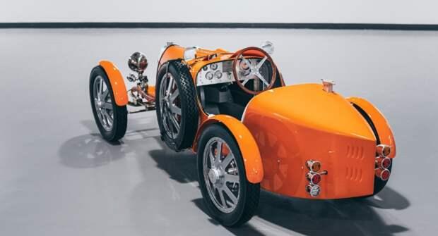 Детский автомобиль Bugatti за $71 тысячу пополнил автопарк аэропорта Дубая