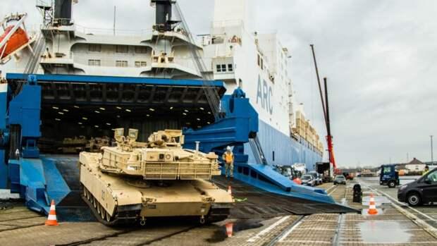 Forbes: США ответили на военные учения РФ переброской войск НАТО в Албанию