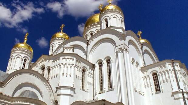В Симферополе рецидивистка воровала у прихожан церкви сумки