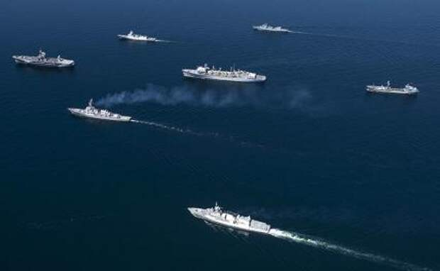 На фото: корабли ВМС стран-членов НАТО во время учений «Балтийские операции» в Балтийском море.