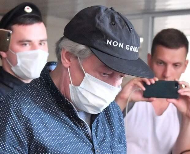 Свидетель рассказал о реакции Ефремова на последствия ДТП