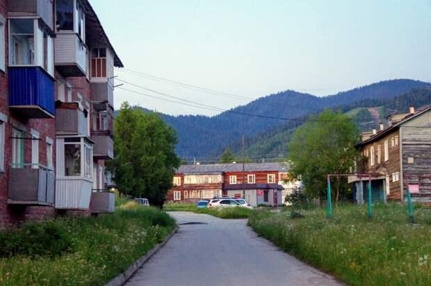 Трехэтажные дома начнут строить в Байкальске этим летом взамен ветхого жилья
