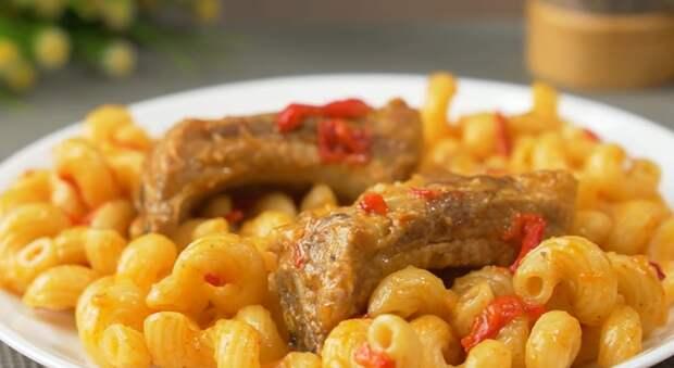 Аппетитные макароны с ребрышками