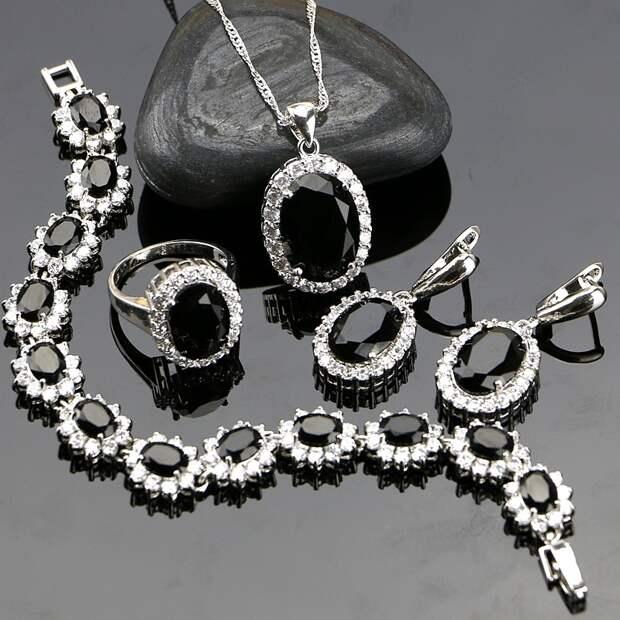 4 проверенных способа заставить серебряные украшения сверкать, как новые